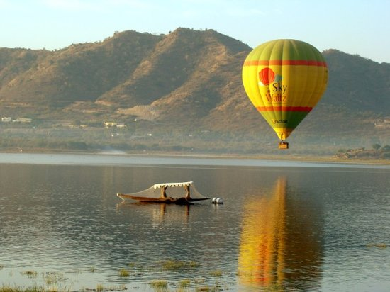 Sky Waltz Balloon Safari