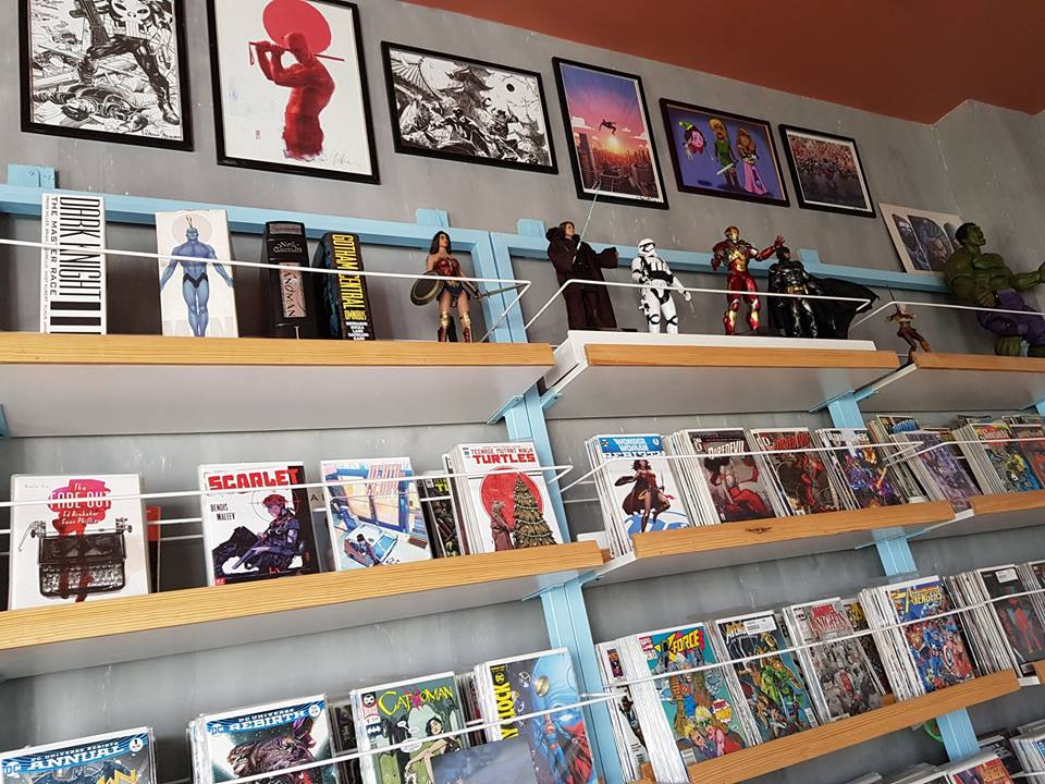 Comics and Bricks Cafe