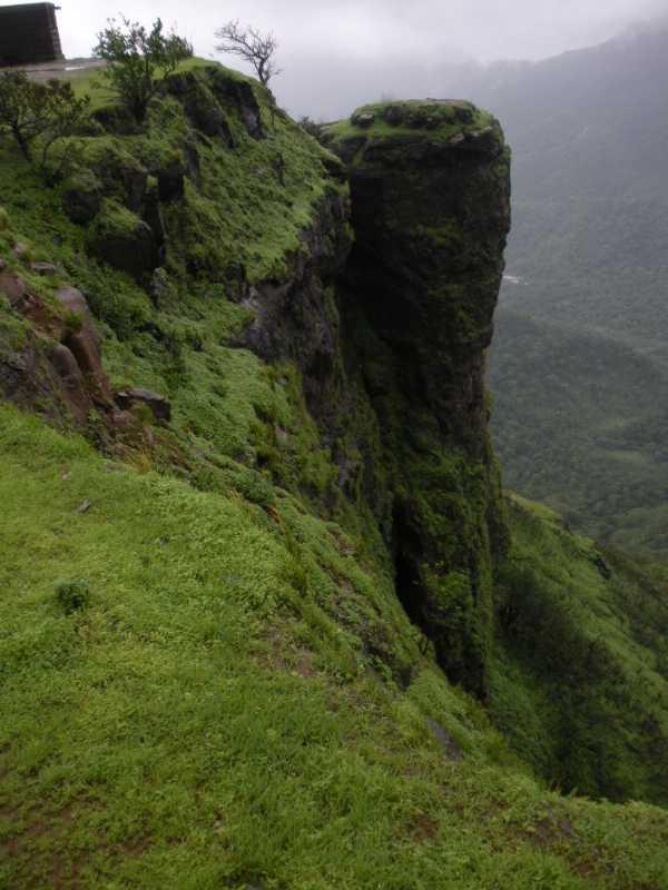 monsoon destinations in Maharashtra