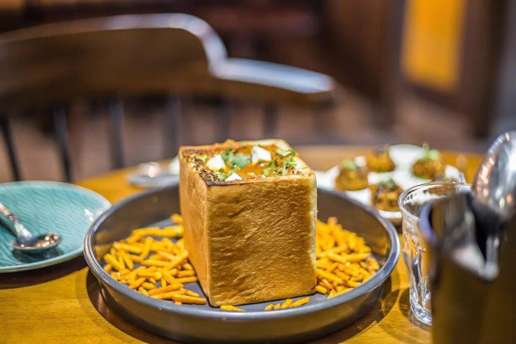 pre-independence eateries in Delhi