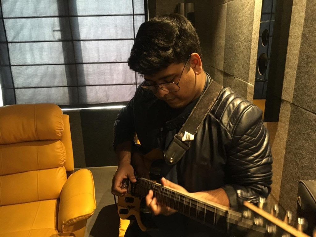 Meet Shrey Gupta, a fingerstyle guitarist, singer, and a multi-instrumentalist